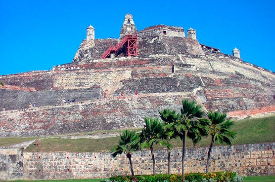 En Cartagena embarca el crucero pullmantur con su nueva ruta desde septiembre de 2015