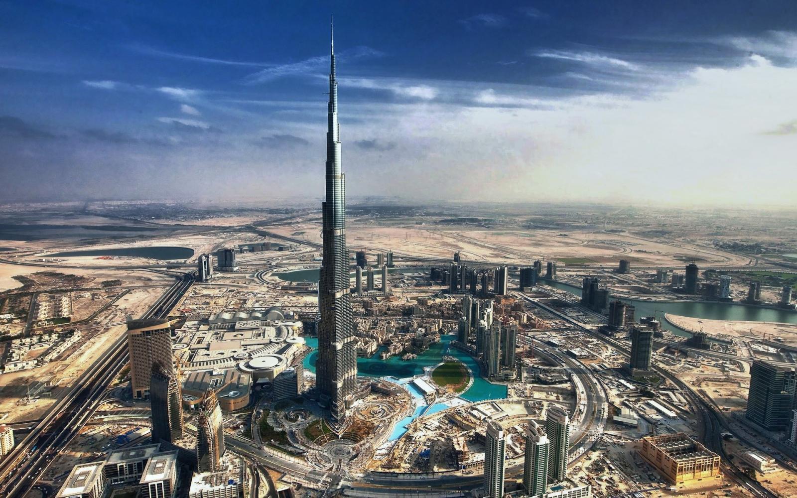 Ven y conoce el increible Burj Khalifa junto a tu familia