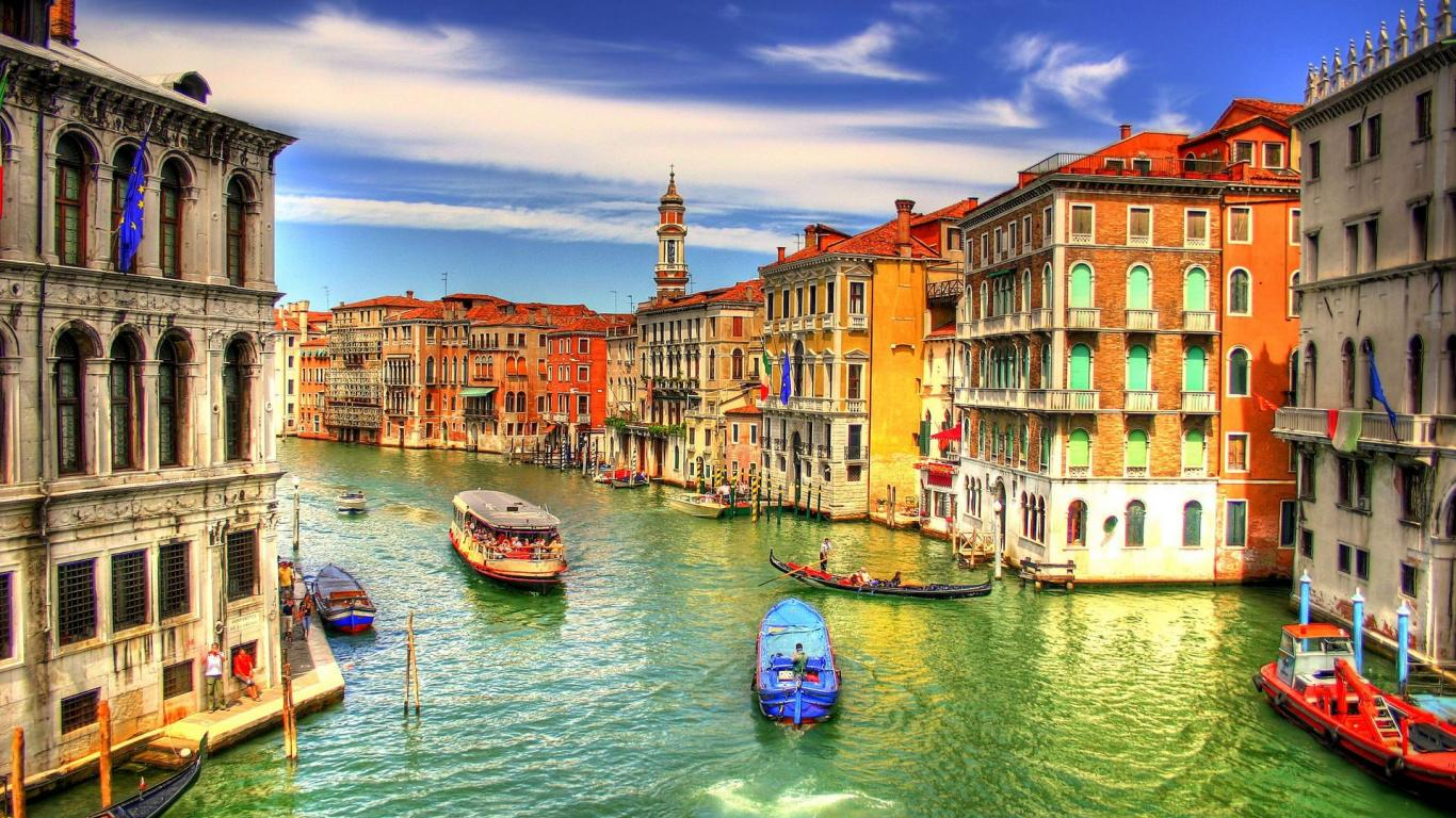 Disfruta de un increible viaje en Gondola por italia