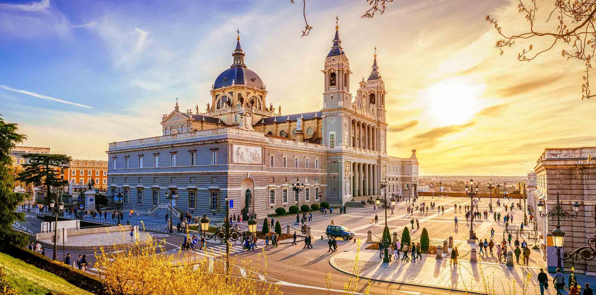 Viajes a Madrid, París y Barcelona 10 días
